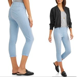 Pants - Ladies Mid-Rise Capri Jeggings